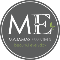 ESSENTIALS ME Logo Label